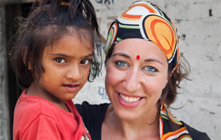 Volunteer with the children of Child Care Children Home